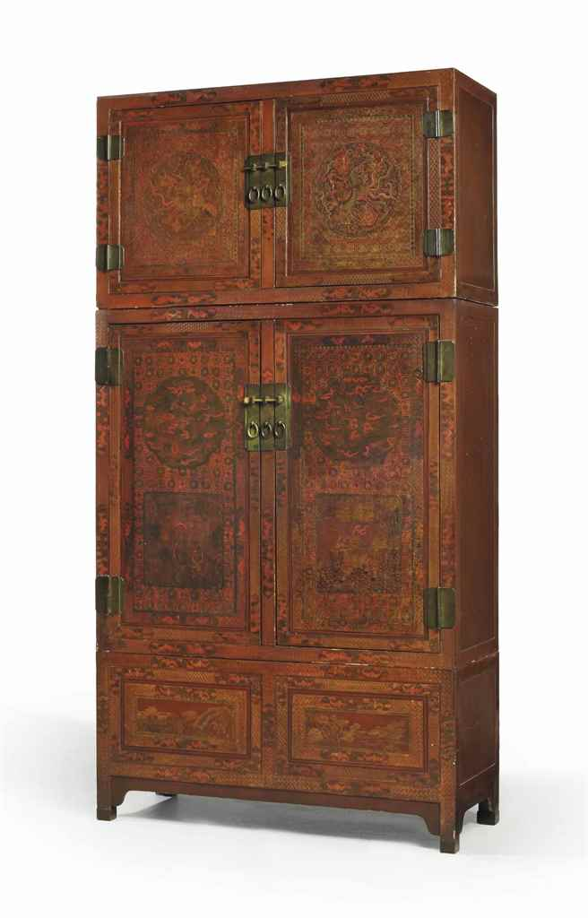 GRANDE ARMOIRE SURMONTEE DE SO
