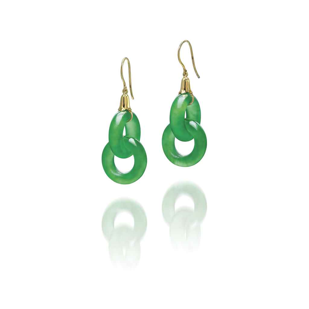 A PAIR OF JADEITE EAR PENDANTS