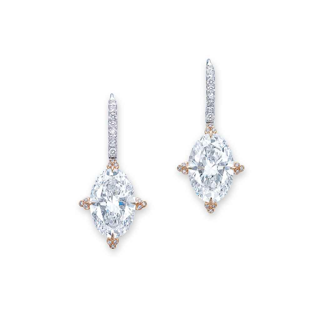 AN IMPORTANT PAIR OF DIAMOND E