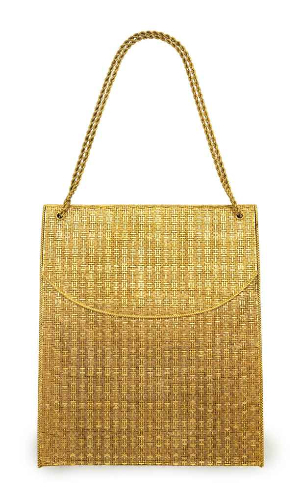 A GOLD EVENING BAG
