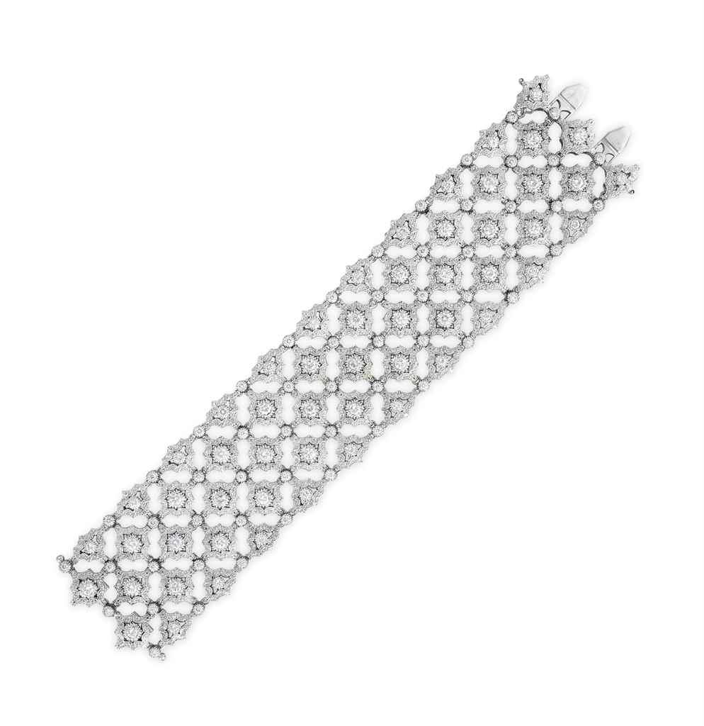 A DIAMOND BRACELET, BY BUCCELL