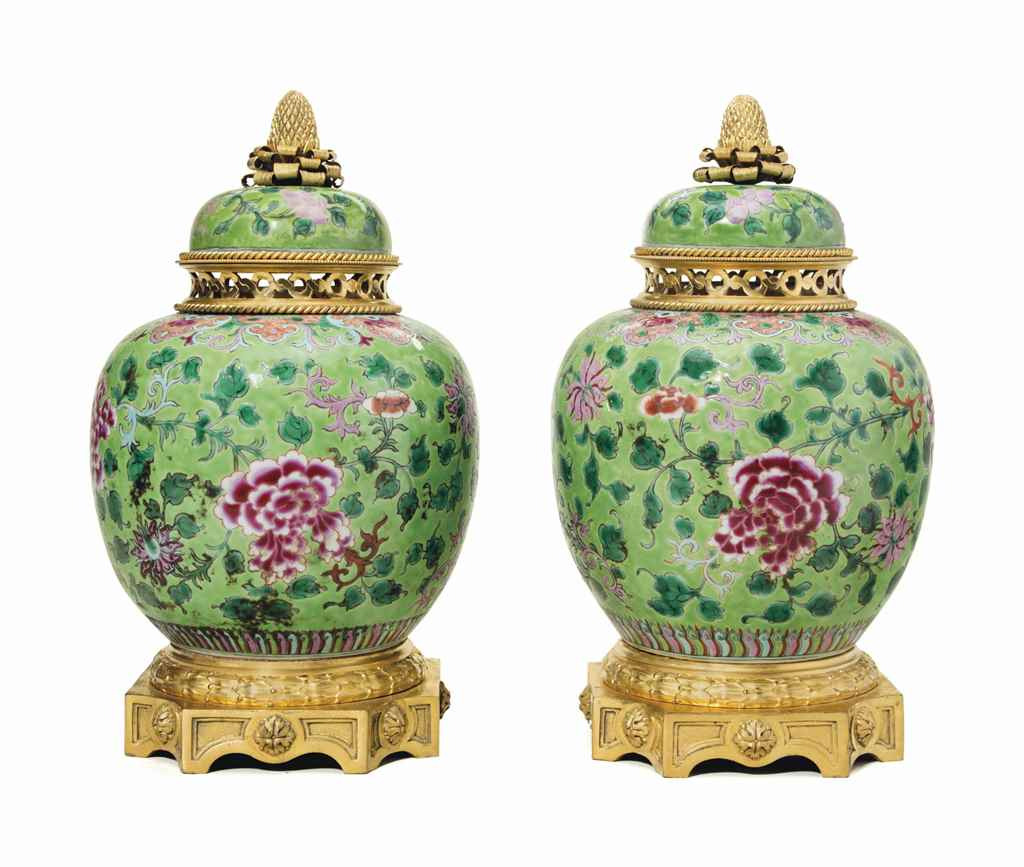 A PAIR OF ORMOLU-MOUNTED CHINE