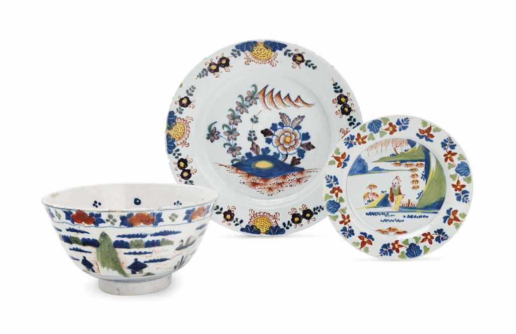 TWO LAMBETH DELFT CHINOISERIE