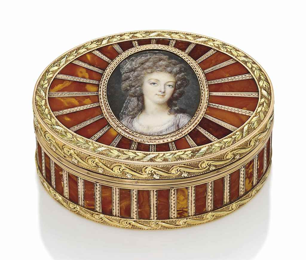 A LOUIS XV THREE-COLOUR GOLD A