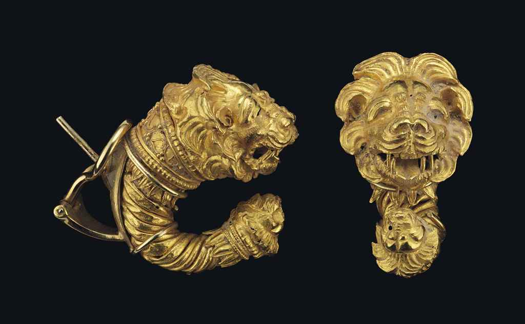 A PAIR OF GREEK GOLD DOUBLE LI