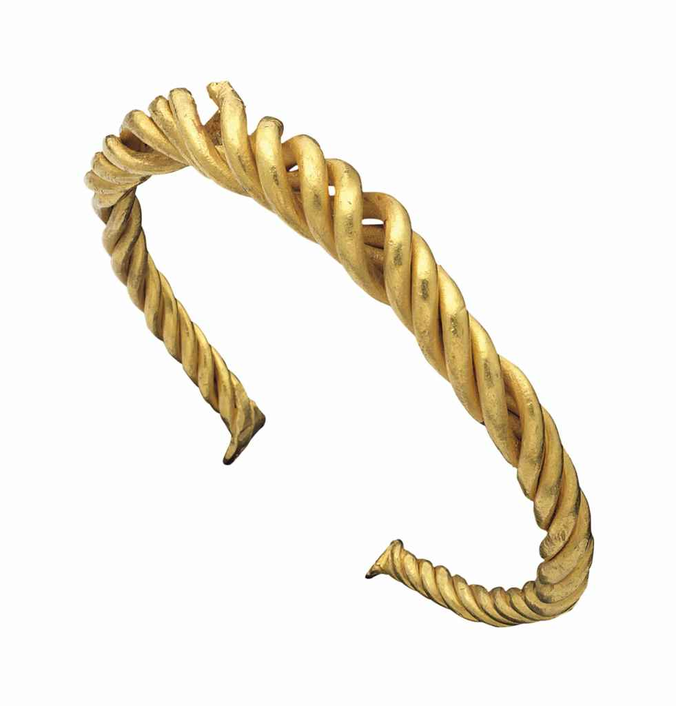 A VIKING GOLD BRACELET