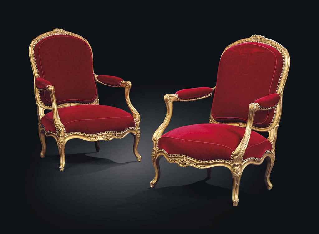 A PAIR OF LOUIS XV GILTWOOD FA