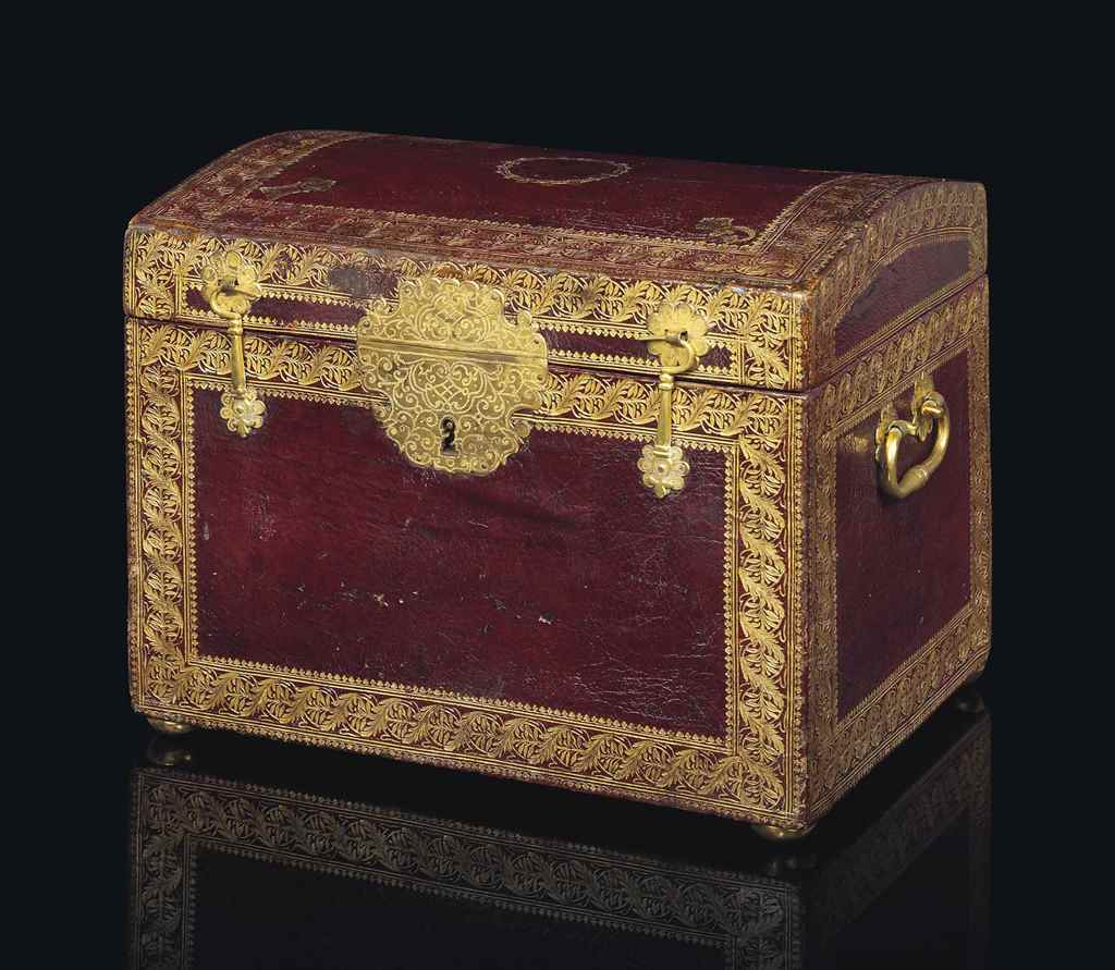 A ROYAL LOUIS XV ORMOLU MOUNTE