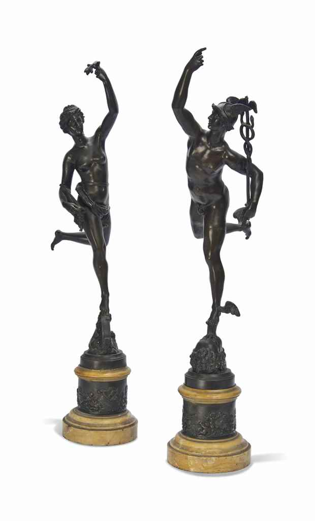 A PAIR OF ITALIAN BRONZE FIGUR