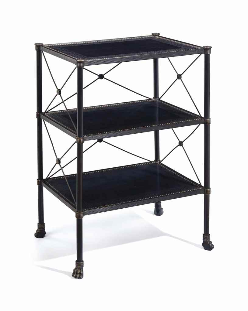A PATINATED METAL THREE-TIER É
