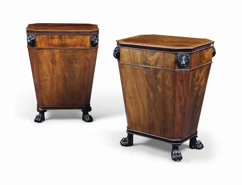 A PAIR OF MAHOGANY PEDESTALS