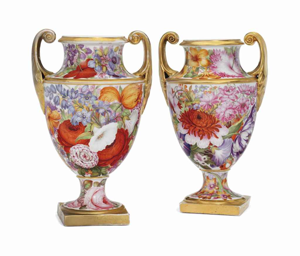 A PAIR OF ENGLISH PORCELAIN SH
