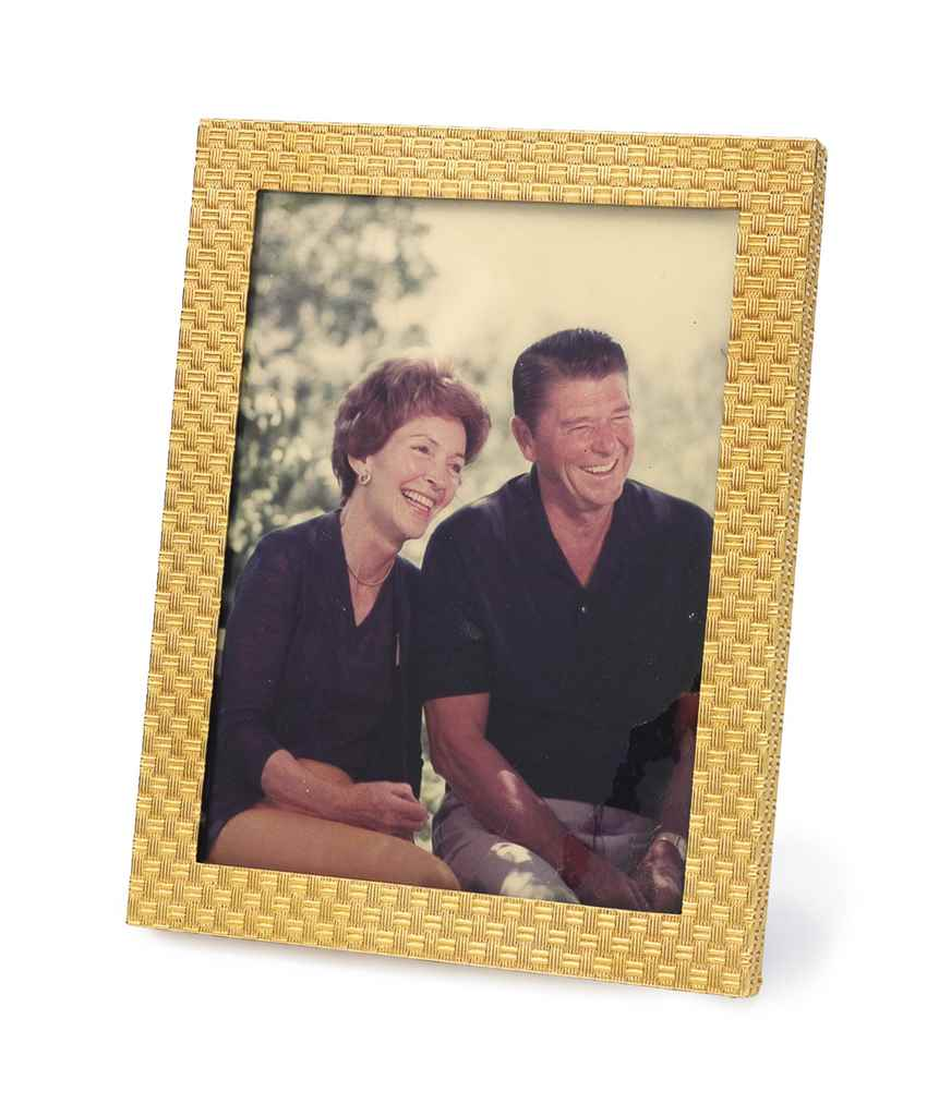 A GOLD PICTURE FRAME