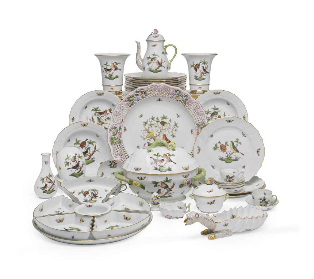 A HEREND PORCELAIN 'ROTHSCHILD