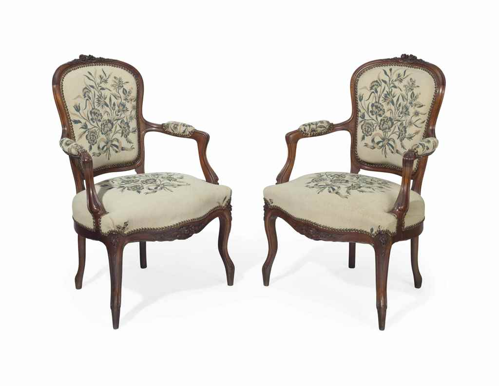 A PAIR OF LOUIS XV STYLE WALNU