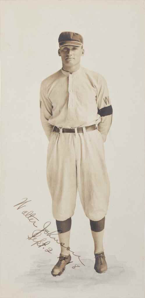 WALTER JOHNSON SIGNED PHOTOGRA