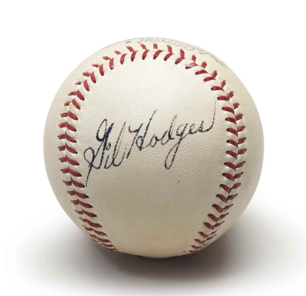 GIL HODGES SINGLE SIGNED BASEB
