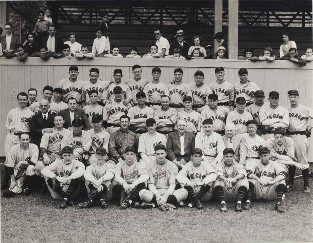 1934 CHICAGO CUBS TEAM PHOTOGR