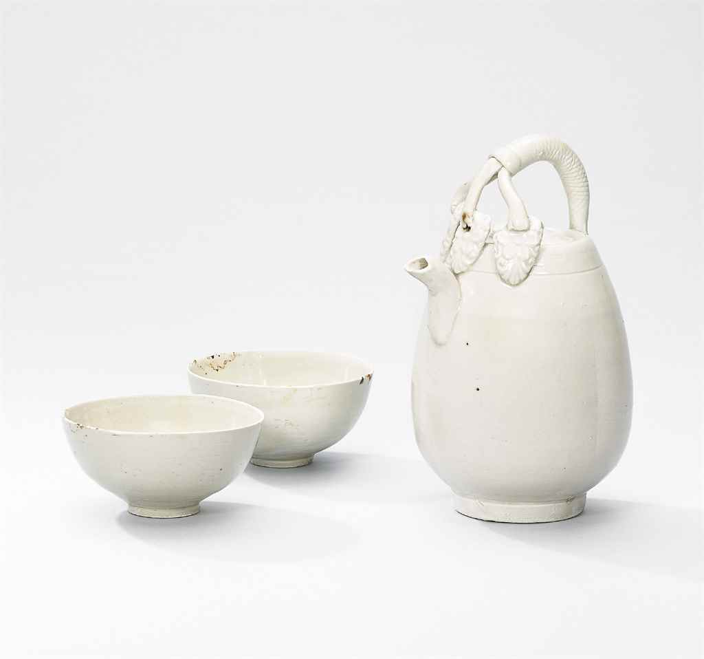 A DING EWER AND TWO DING SMALL