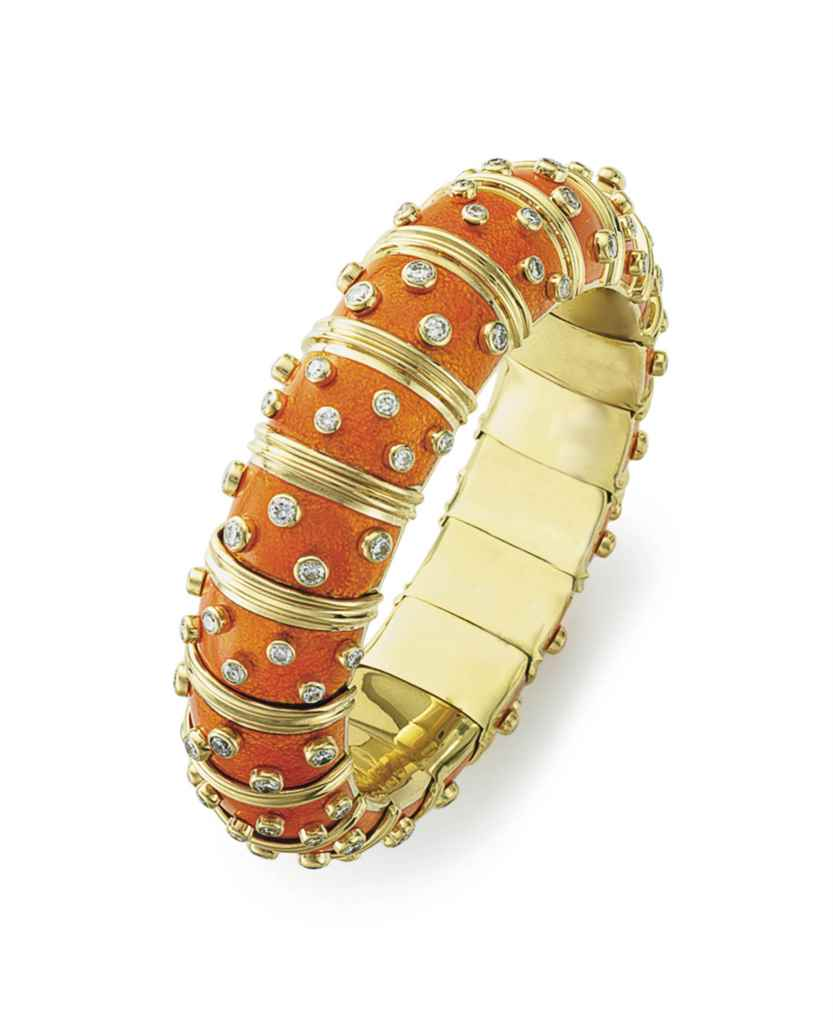 AN ENAMEL AND DIAMOND BANGLE B