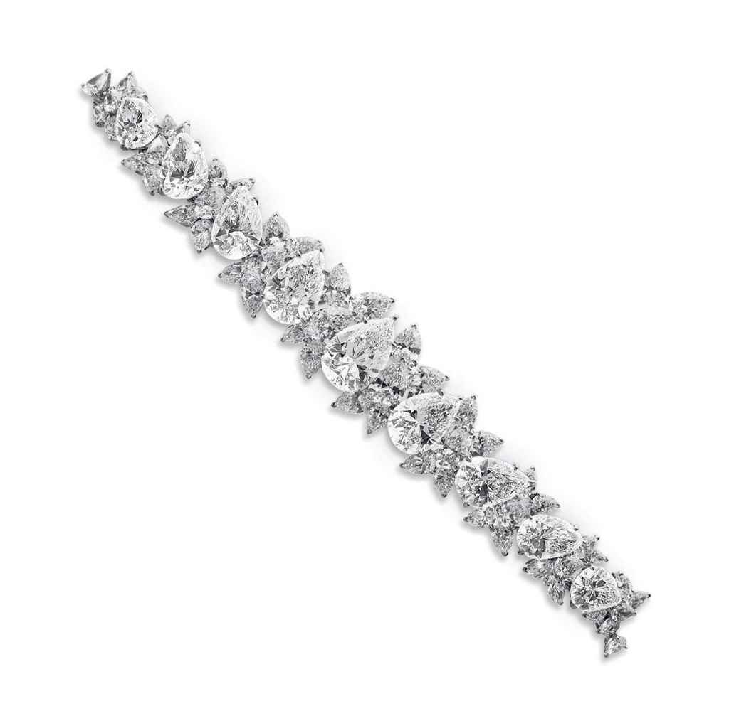 AN IMPORTANT DIAMOND BRACELET