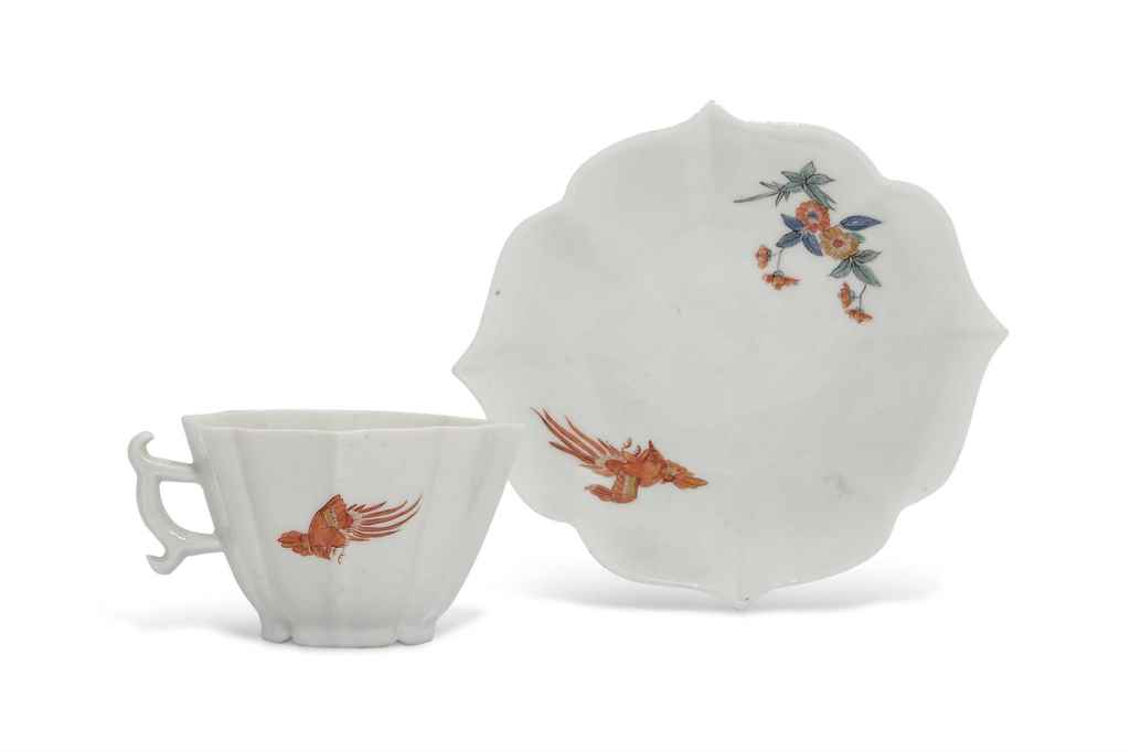 A MEISSEN KAKIEMON TEACUP AND
