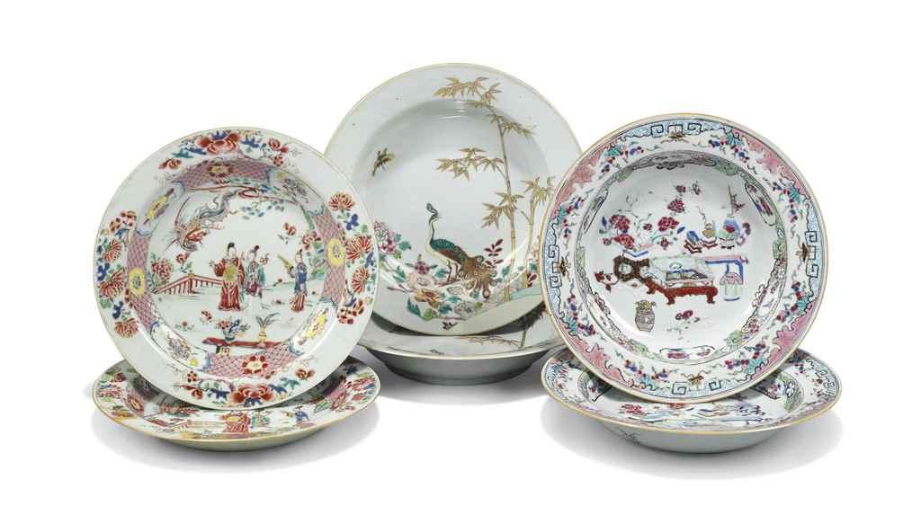 THREE PAIRS OF CHINESE FAMILLE