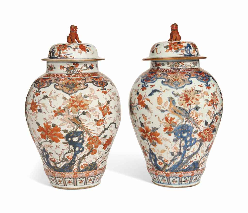 A PAIR OF LARGE IMARI JARS AND
