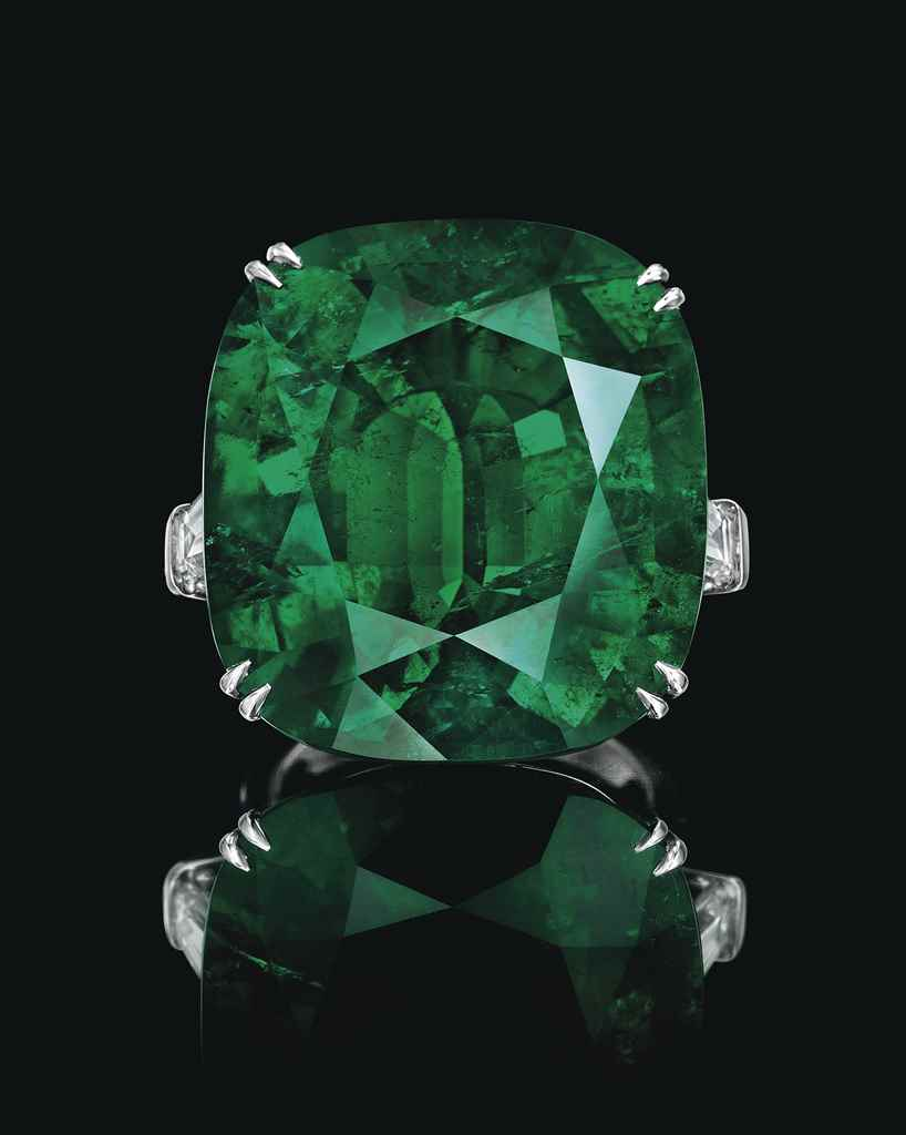 A SUPERB EMERALD AND DIAMOND R