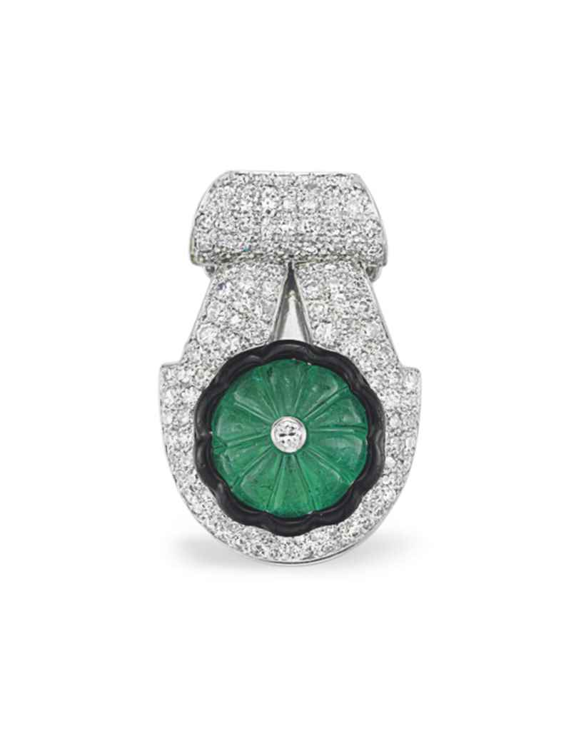 AN ART DECO EMERALD, DIAMOND A