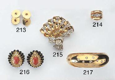 A RETRO DIAMOND AND GOLD BANGL