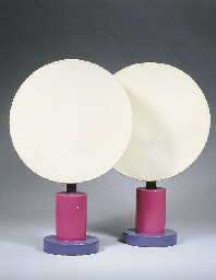 A pair of porcelain table lamp