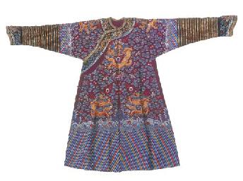 A summer court robe (chi'fu) o