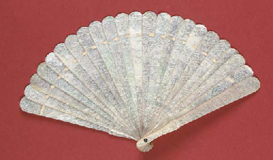 A mother of pearl brise fan, t