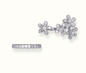 A DIAMOND FLOWER RING AND A DI