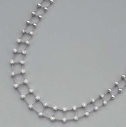 A WHITE GOLD AND DIAMOND NECKL