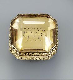 A gold-mounted citrine vinaigr