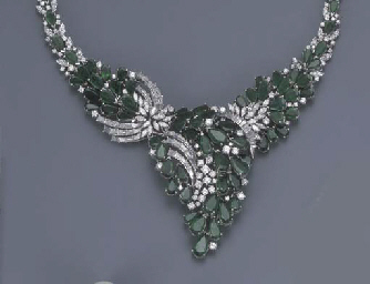 AN EMERALD AND DIAMOND SUITE