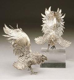 Due versatoi a forma di gallo