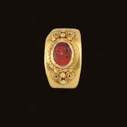 A ROMAN GOLD AND CARNELIAN FIN