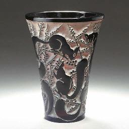 'SENART', A DEEP RUBY RED GLAS