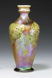 A 'CYPRIOTE' FAVRILE GLASS VAS