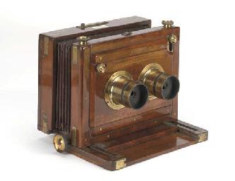Stereoscopic field camera