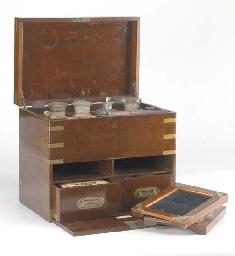 Photographic darkroom cabinet
