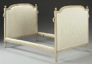 A LOUIS XVI GREY-PAINTED BED