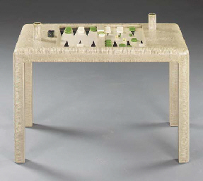 A WHITE LIZARD BACKGAMMON TABL