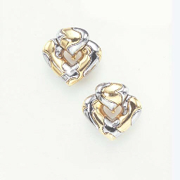 A PAIR OF BICOLORED GOLD EAR P