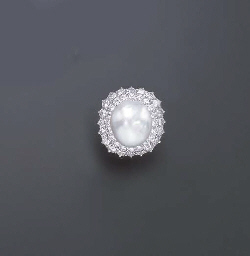 A CULTURED BAROQUE PEARL AND D