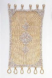 A STYLISH GOLD MESH AND DIAMON