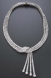 A SPECTACULAR DIAMOND NECKLACE